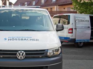 Zwei Wägen der Firma Hössbacher mit dem neuen blau-grauen Flottendesign.