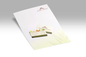 """Briefpapier und Visitenkarten für das thailändische Restaurant """"Mai Thai"""" aus Nürnberg entsprechend dem einheitlichen Corporate Design in grasgrün."""