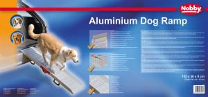 Gestaltung einer Verpackung für eine Aluminium Hunderampe der Firma Nobby in einem blauen Design mit selbst gefertigten Produktfotos.