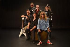Gruppenaufnahmen im Focus Fotostudio der Rockgruppe Hardrock Zombies.