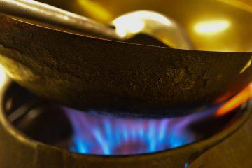 Lifestylefotografie in einer asiatischen Küche mit unserem mobilen Fotostudio direkt vor Ort.