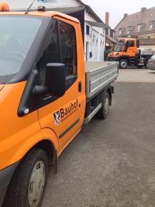 Beklebung mehrerer Fahrzeuge der Gemeinde Rückersdorf mit dem Gemeindewappen und Folienbuchstaben.