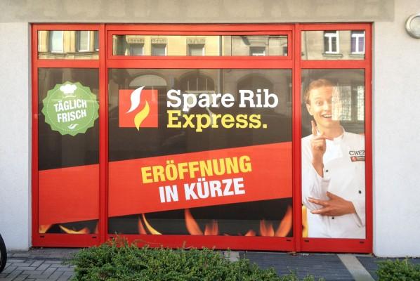 Werbeagentur Focus Sichtschutzbeklebung Spare Rib Express