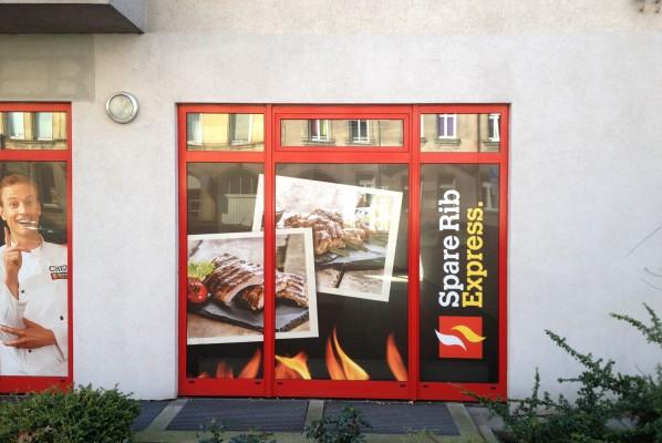 Werbeagentur Focus Großformatbeklebung für Spare Rib Express in Nürnberg