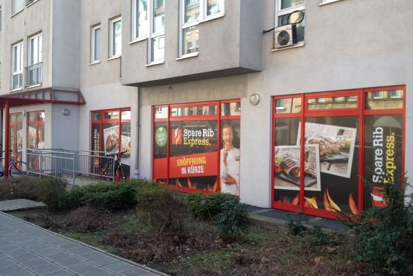 Werbeagentur Focus Sichtschutzbeklebung für Spare Rib Express in Nürnberg