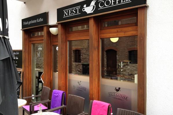 werbeagentur-focus-nuernberg-schilderbeklebung-nest-coffee