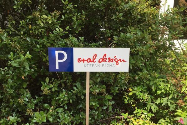 werbeagentur-focus-nuernberg-schild-alu-dibond-parkplatz-picha-2