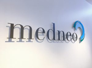 Detailansicht des 3D gefrästen Logos