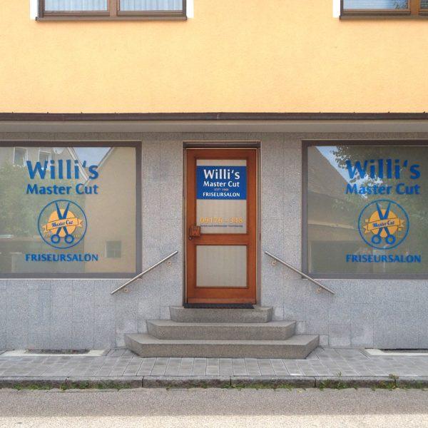 Gesamtansicht der Schaufensterbeklebung von Willi's Master Cut