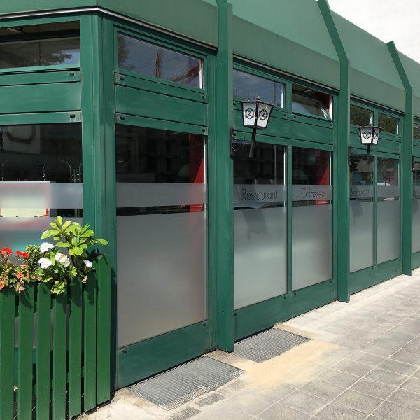 Restaurant Colosseo von außen frisch mit Glasdekorfolie beklebt