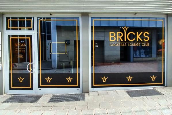 werbeagentur-focus-nuernberg–schaufensterbeklebung-bricks