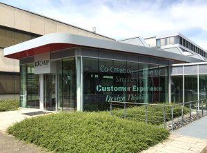 Beklebung eines Gebäudes für Siemens in Erlangen