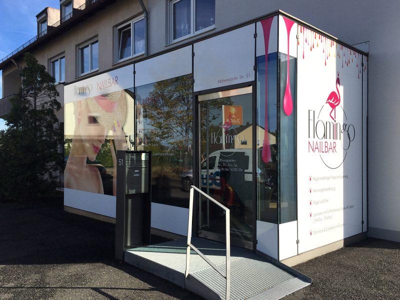 Großflächige Folierung der Fenster für die Flamingo Nailbar in Erlangen