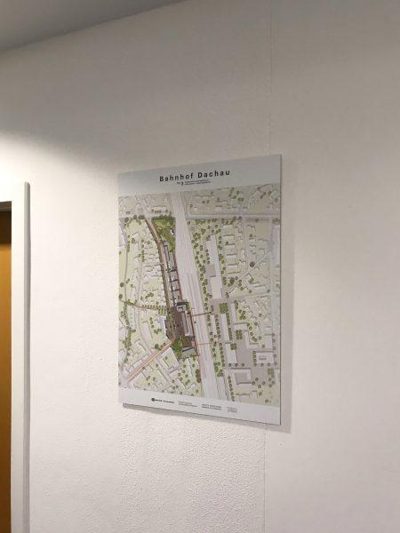 Alu-Dibond Poster an einer weißen Wand in den Büroräumen von PB Consult