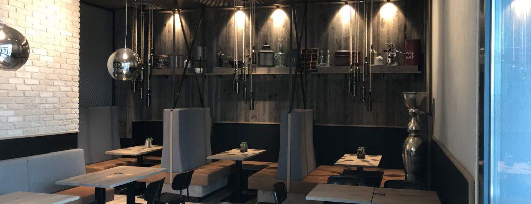 Innenausbau und Wandgestaltung - Essbereich im Edeka Stengel